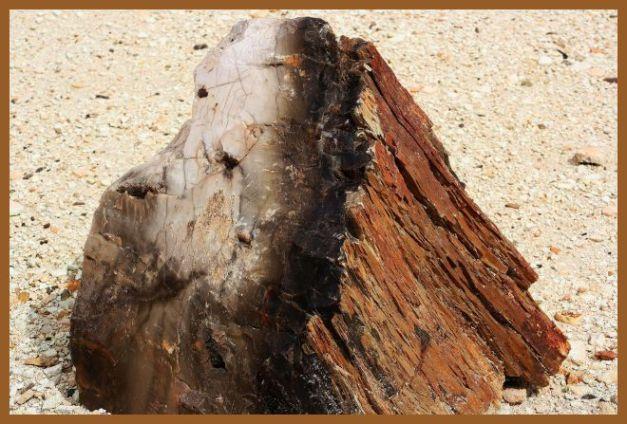 Aussen Holz und innen Stein